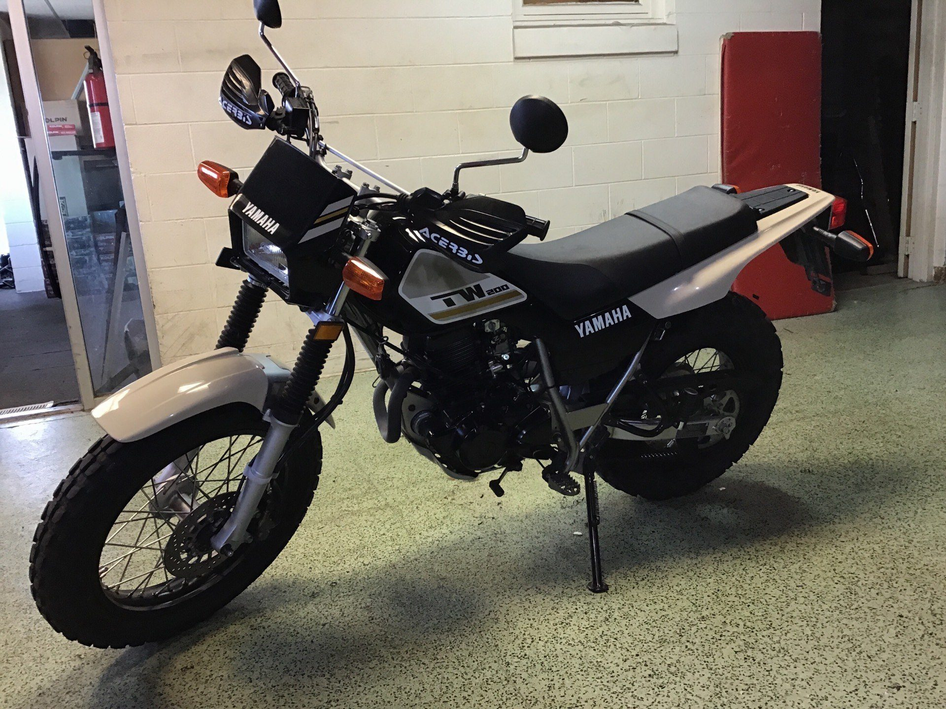 2018 YAMAHA TW200 in Sterling, Illinois - Photo 3