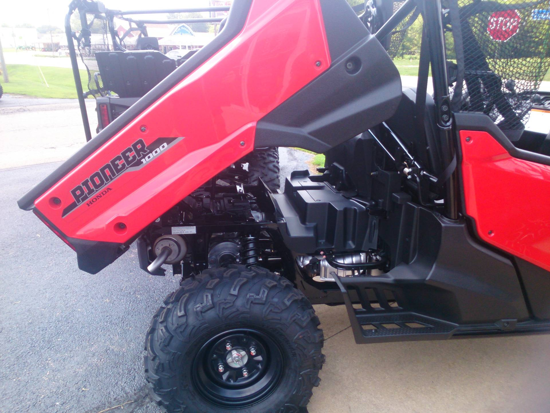 2018 Honda Pioneer 1000 EPS in Sterling, Illinois - Photo 4