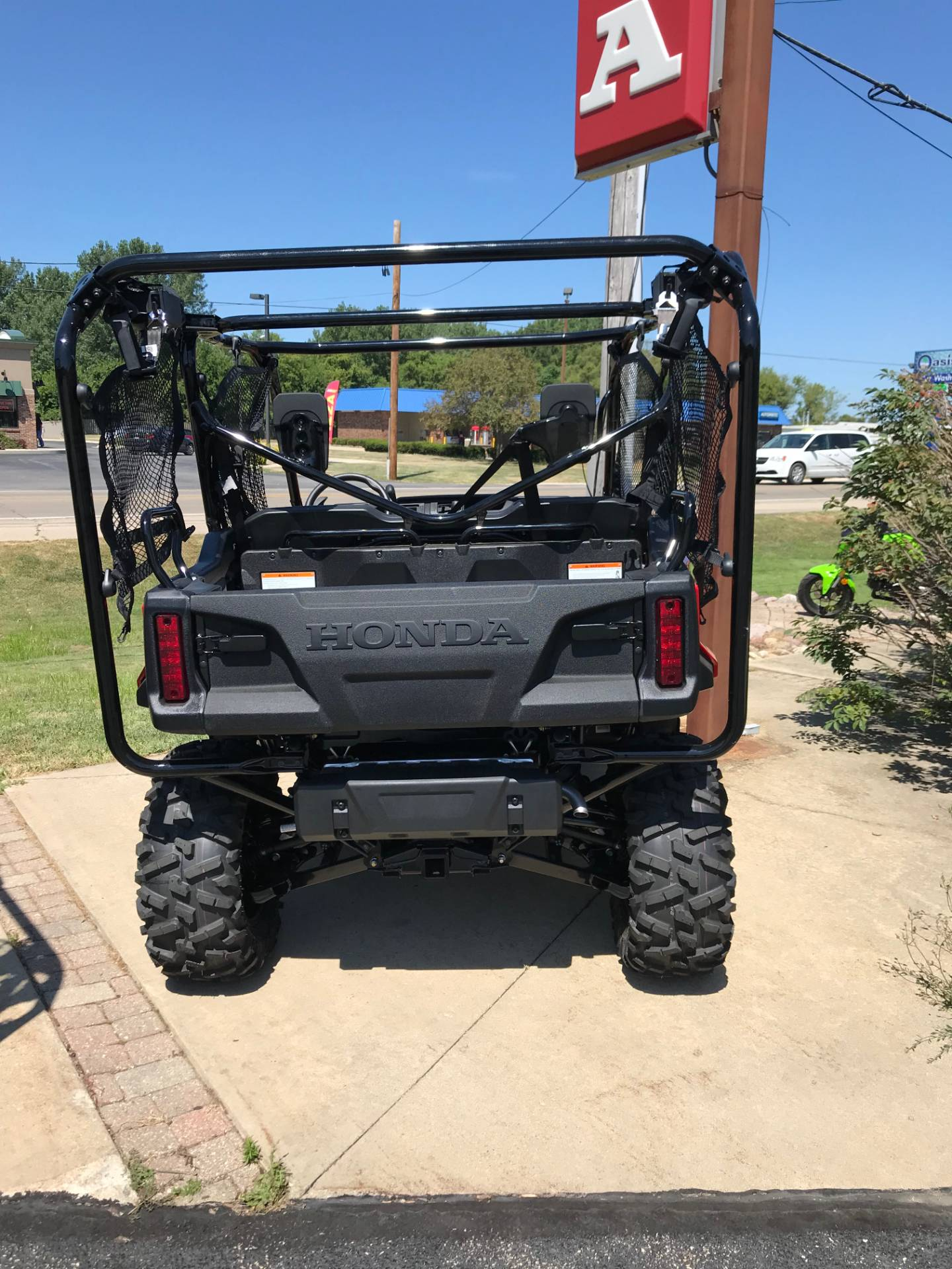 2019 Honda Pioneer 1000-5 Deluxe in Sterling, Illinois - Photo 4