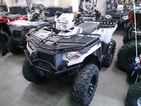 2018 Polaris Sportsman 570 EPS Utility Edition in Sterling, Illinois
