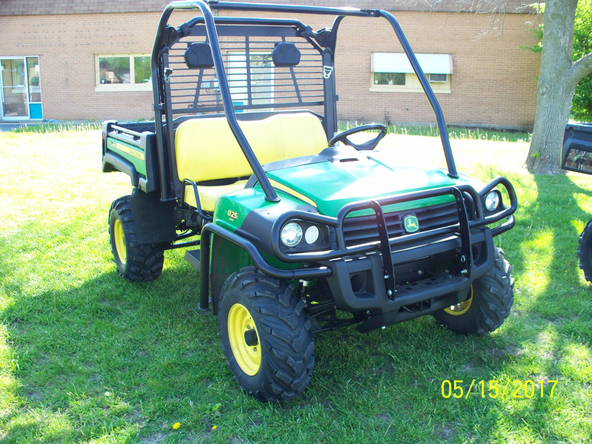 2011 John Deere Gator™ XUV 825i in Sterling, Illinois