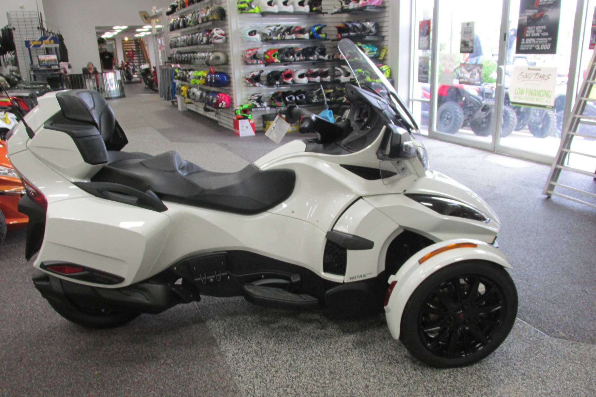 2018 Can-Am SPYDER RT LIMITED SE6 in Springfield, Ohio