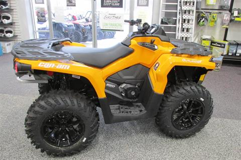 2018 Can-Am OUTLANDER 850 DPS in Springfield, Ohio