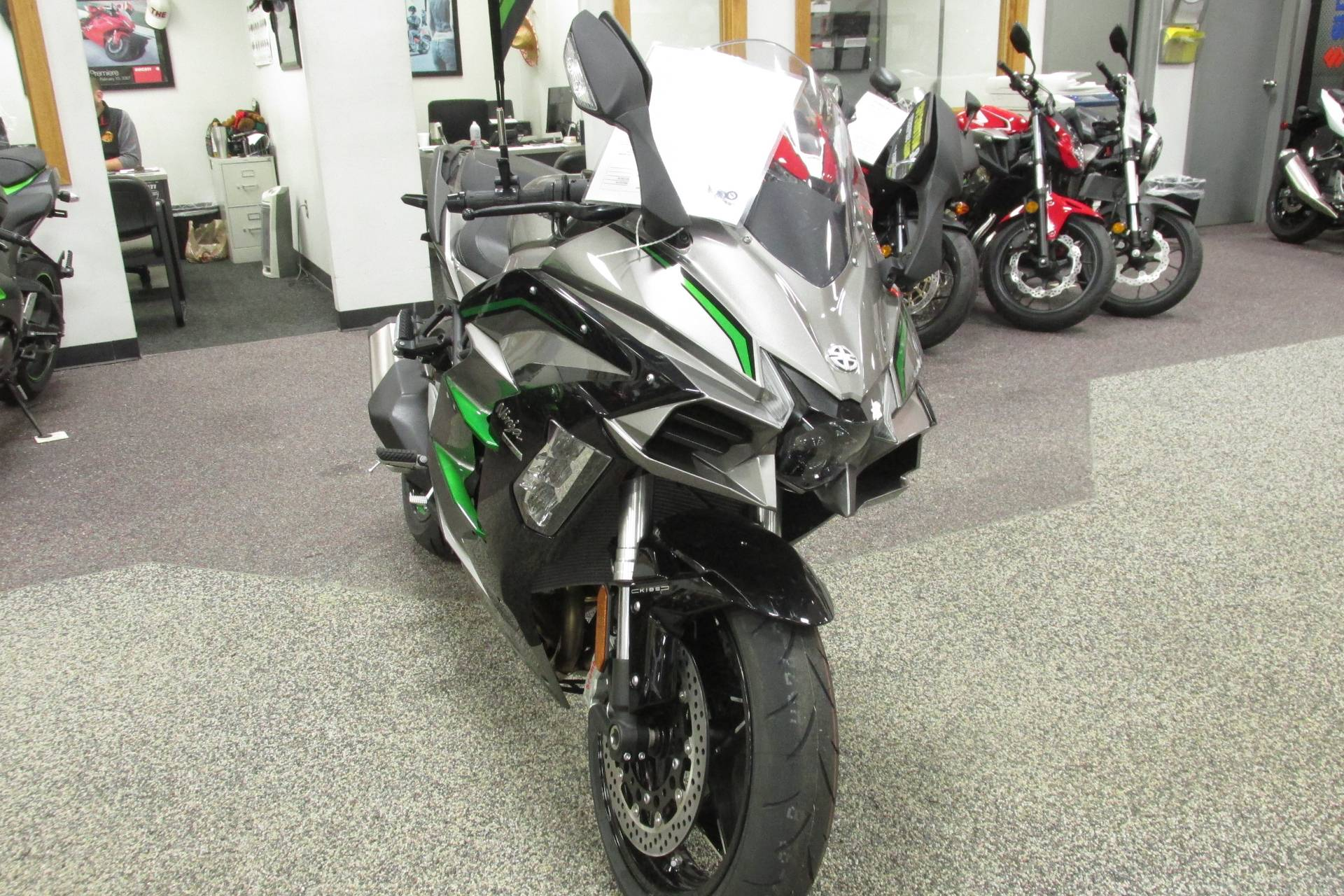2019 Kawasaki NINJA H2 SX S.E. in Springfield, Ohio - Photo 3