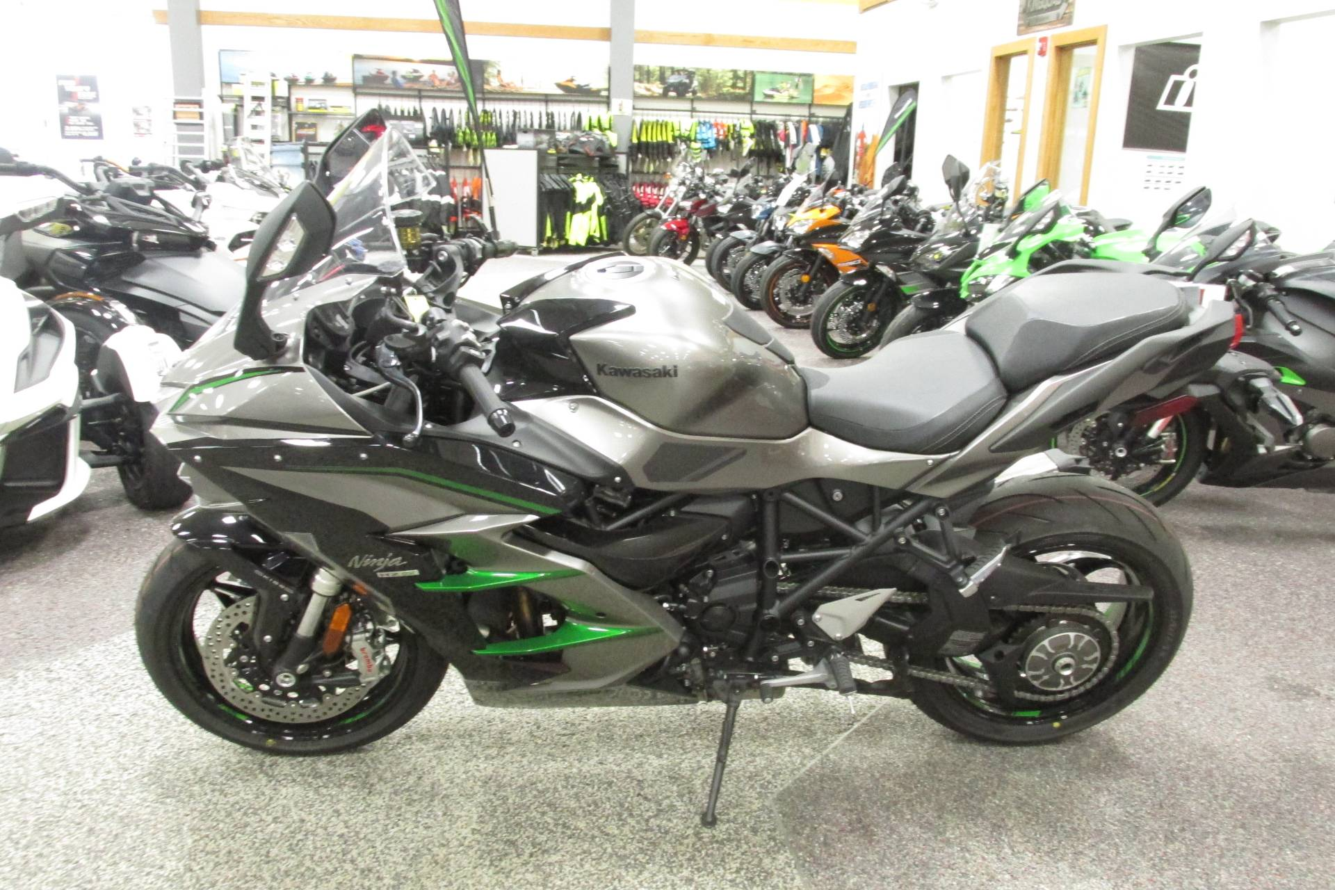 2019 Kawasaki NINJA H2 SX S.E. in Springfield, Ohio - Photo 5
