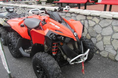2016 Can-Am RENEGADE 570 4X4 in Springfield, Ohio