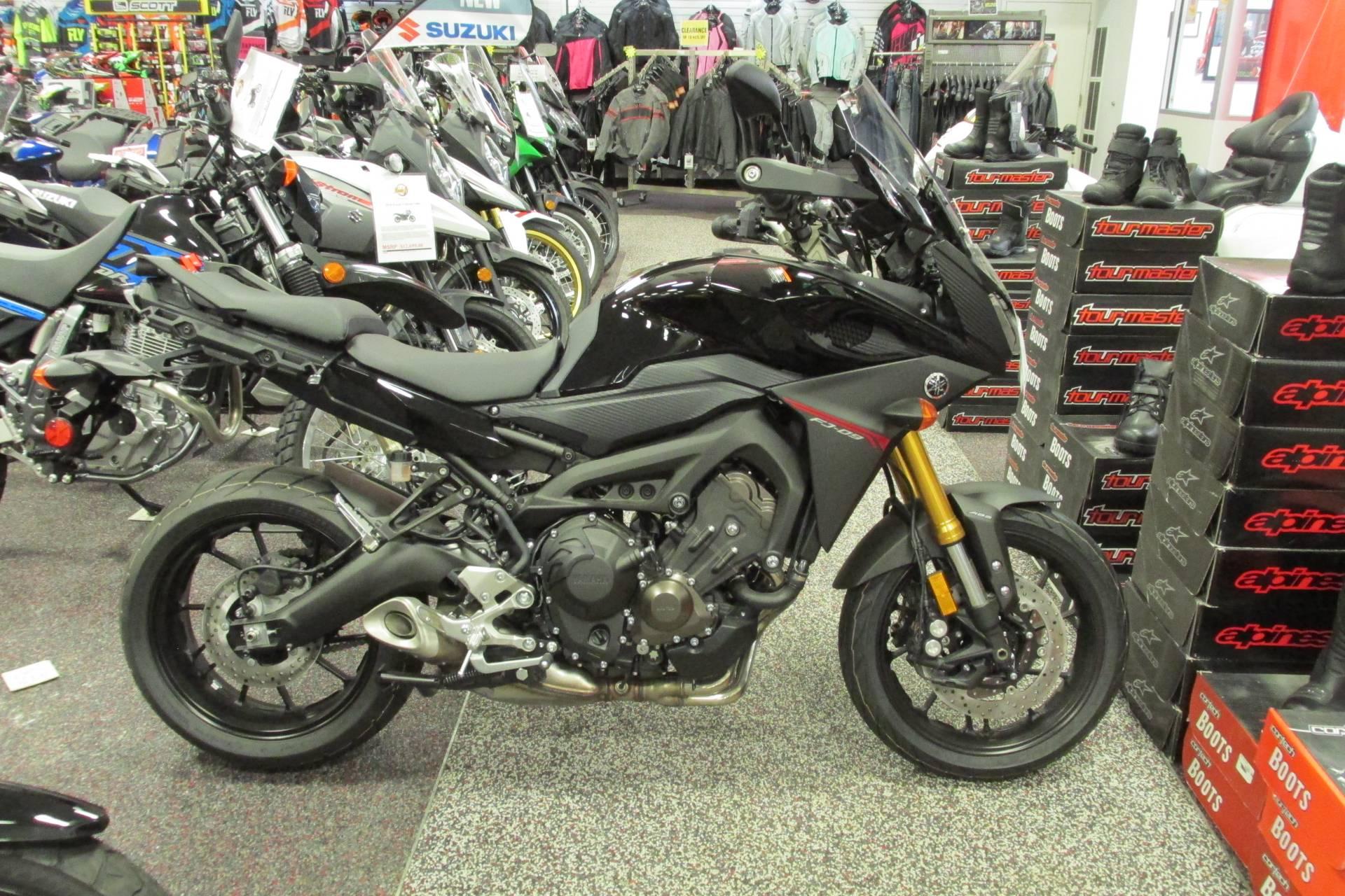 2016 Yamaha FJ09 1