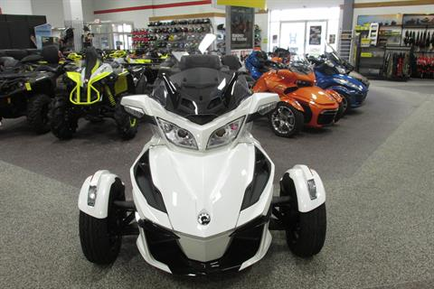 2019 Can-Am SPYDER RT SE6 in Springfield, Ohio - Photo 3