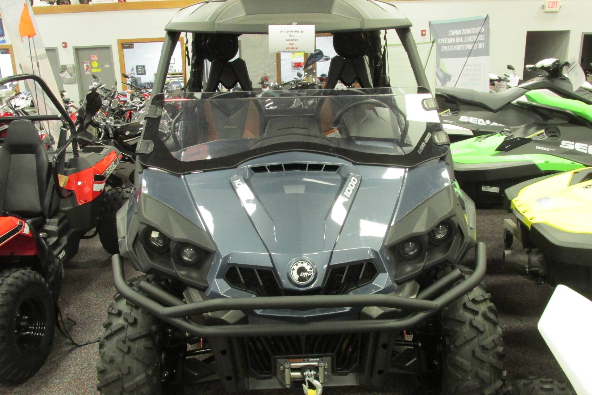 2017 Can-Am COMMANDER 1000 LIMETED in Springfield, Ohio
