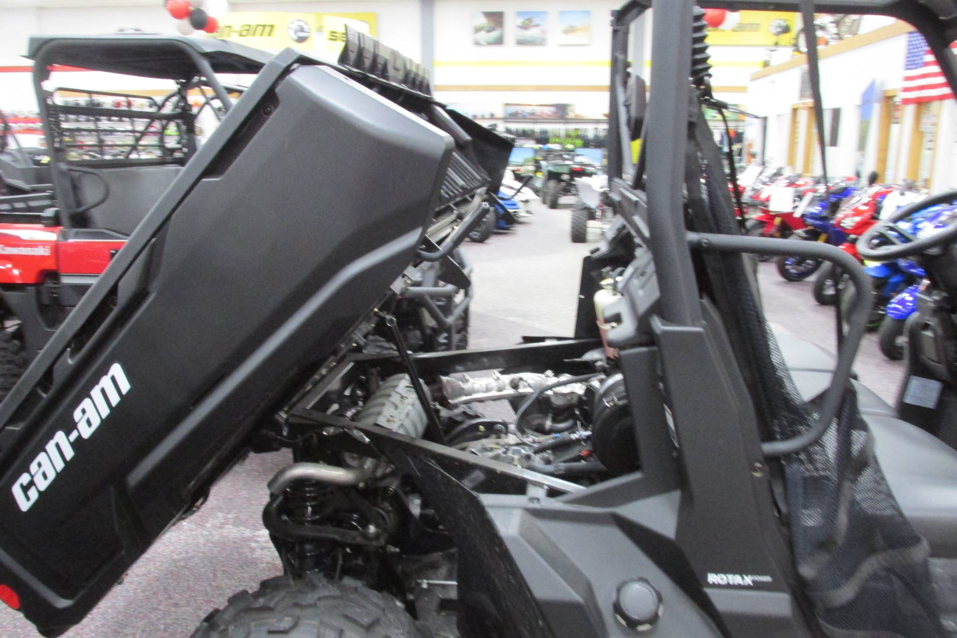 2018 Can-Am DEFENDER HD5 POWER STEERING in Springfield, Ohio - Photo 6