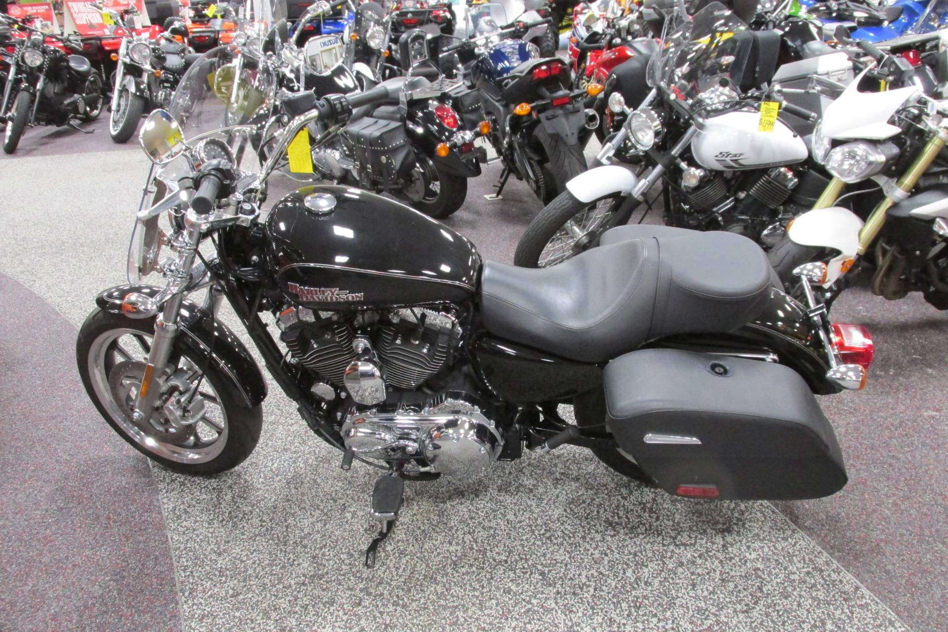 2016 Harley Davidson 1200 SPORTSTER SUPER LOW TOURING in Springfield, Ohio