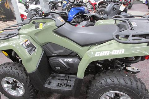 2018 Can-Am OUTLANDER 570 DPS in Springfield, Ohio