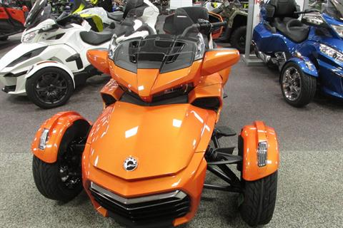 2019 Can-Am SPYDER F3 LIMITED in Springfield, Ohio - Photo 3