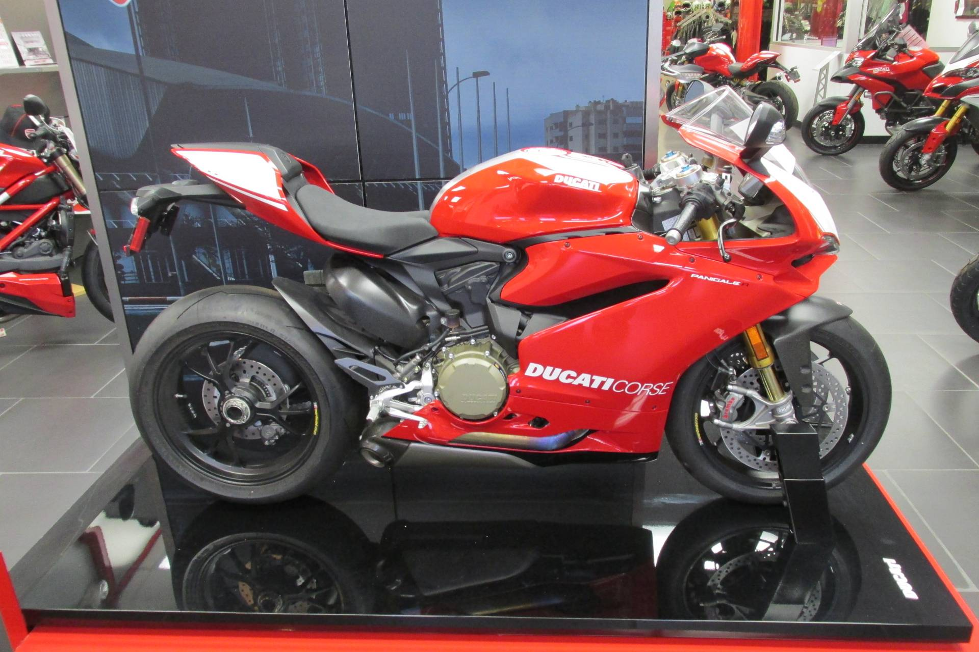 2015 ducati panigale r for sale. Black Bedroom Furniture Sets. Home Design Ideas