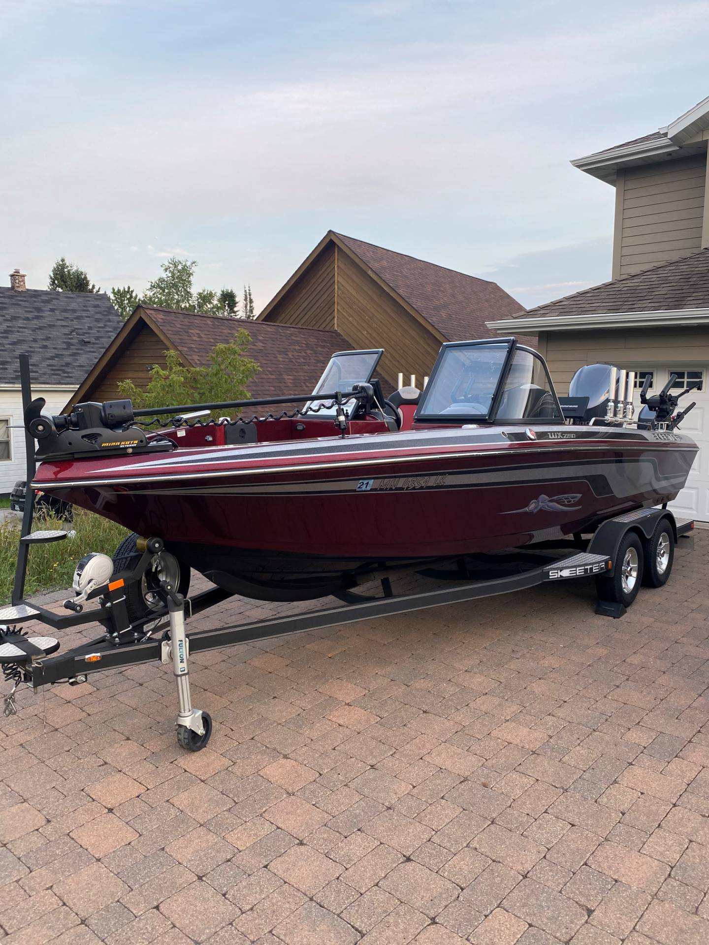 2016 Skeeter WX 2190 in Superior, Wisconsin - Photo 2