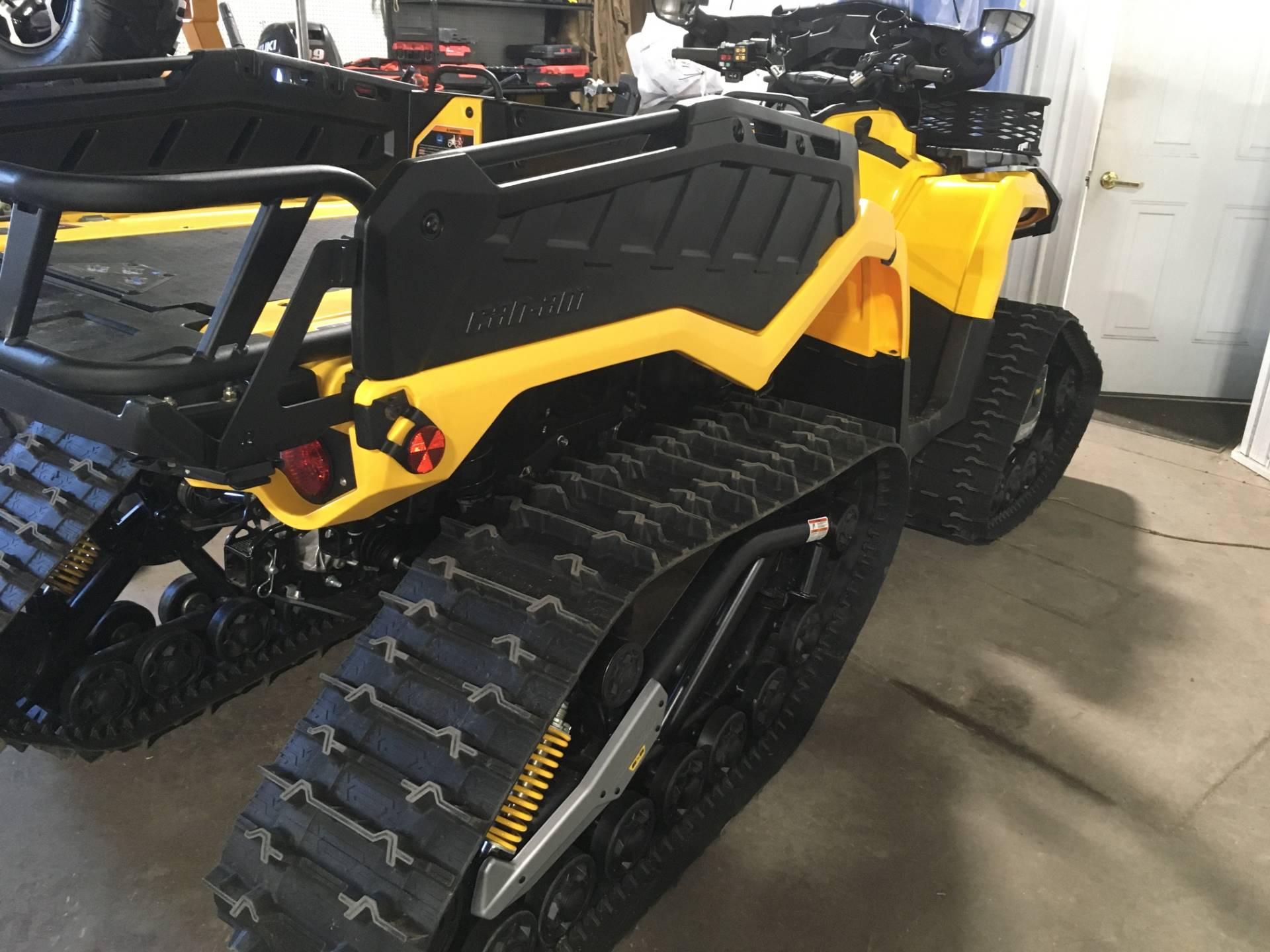 2015 Can-Am Outlander™ 6x6 XT™ 1000 in Superior, Wisconsin - Photo 4
