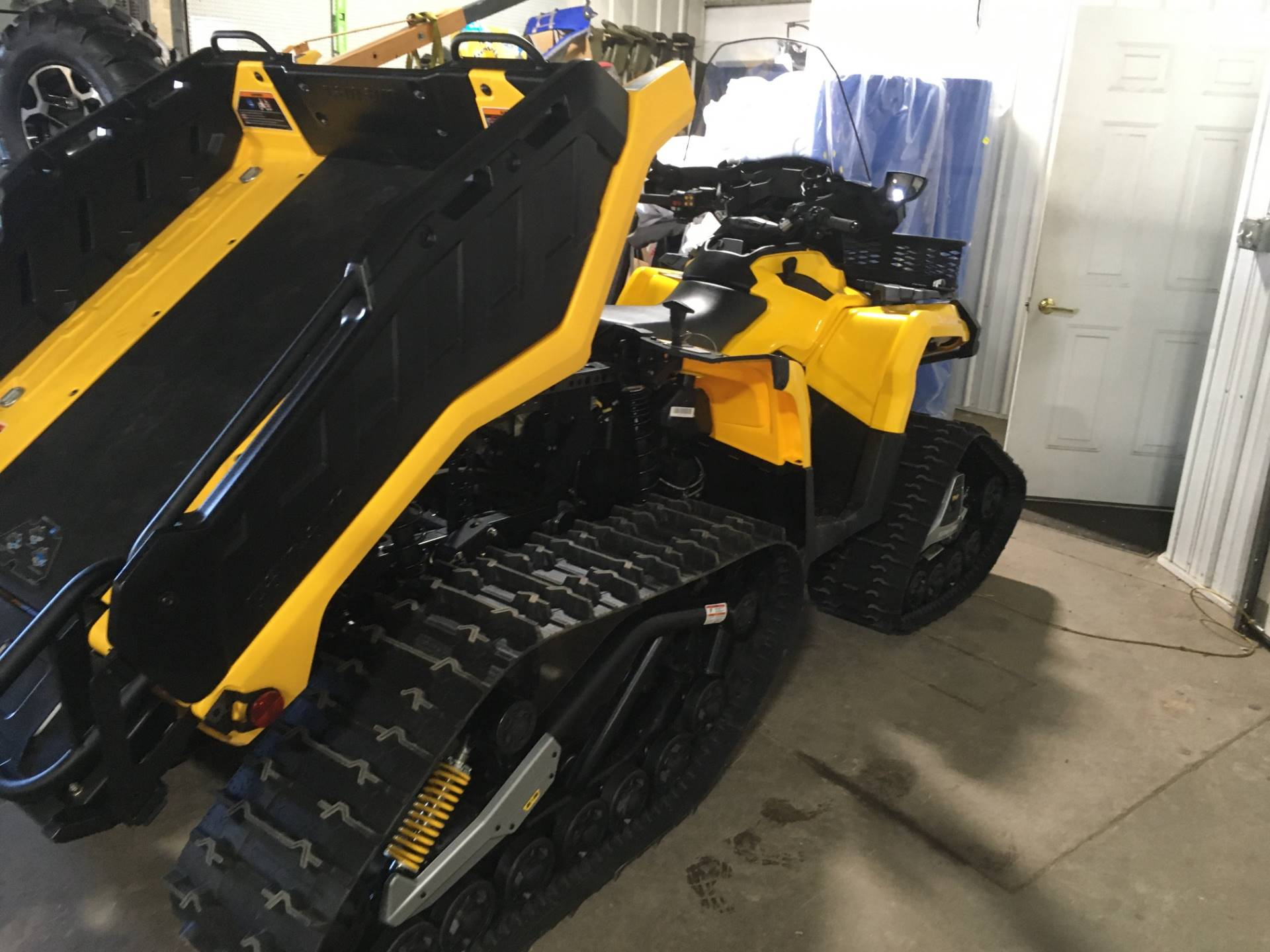2015 Can-Am Outlander™ 6x6 XT™ 1000 in Superior, Wisconsin - Photo 5