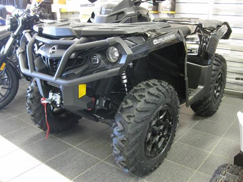 2017 Can-Am Outlander XT-P 850 in Wisconsin Rapids, Wisconsin