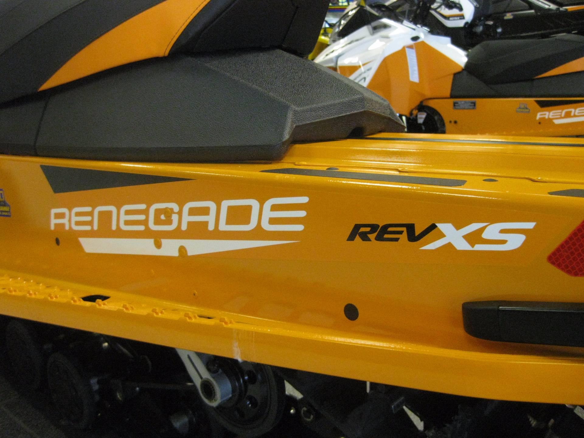 2017 Ski-Doo Renegade Adrenaline 600ETEC in Wisconsin Rapids, Wisconsin
