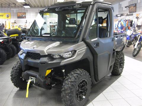 2017 Can-Am Defender Cab HD10 in Wisconsin Rapids, Wisconsin