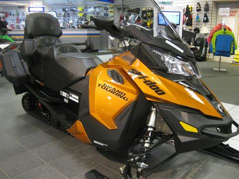 2018 Ski-Doo Grand Touring SE 1200 4-TEC ES Ripsaw 1.25 STIS in Wisconsin Rapids, Wisconsin