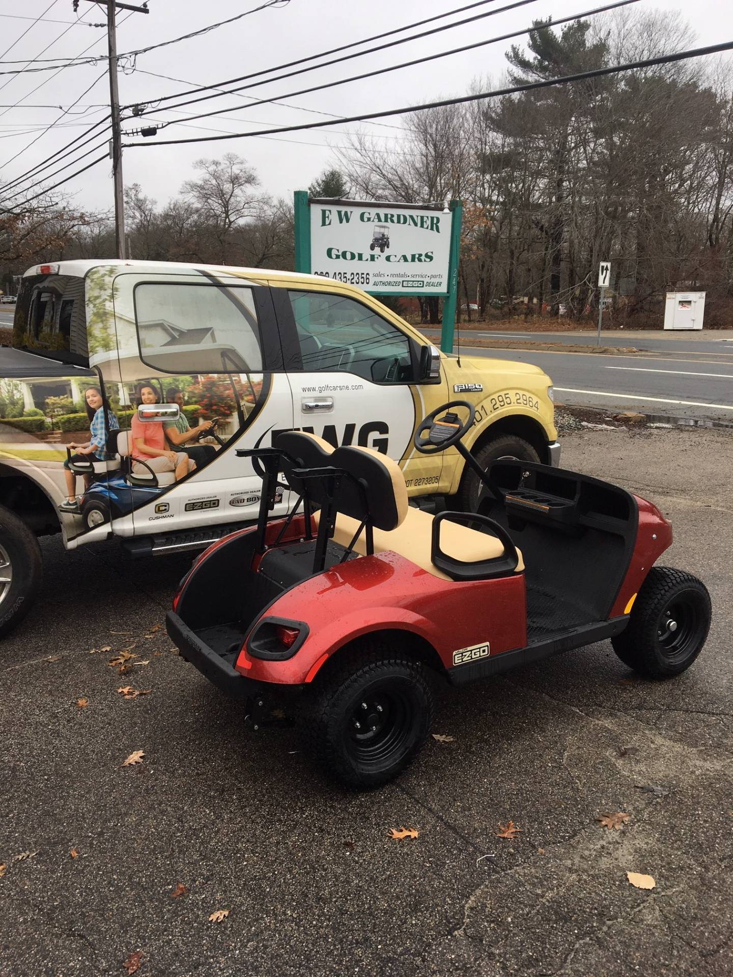 2019 E-Z-GO TXT Valor Gasoline in Exeter, Rhode Island - Photo 3