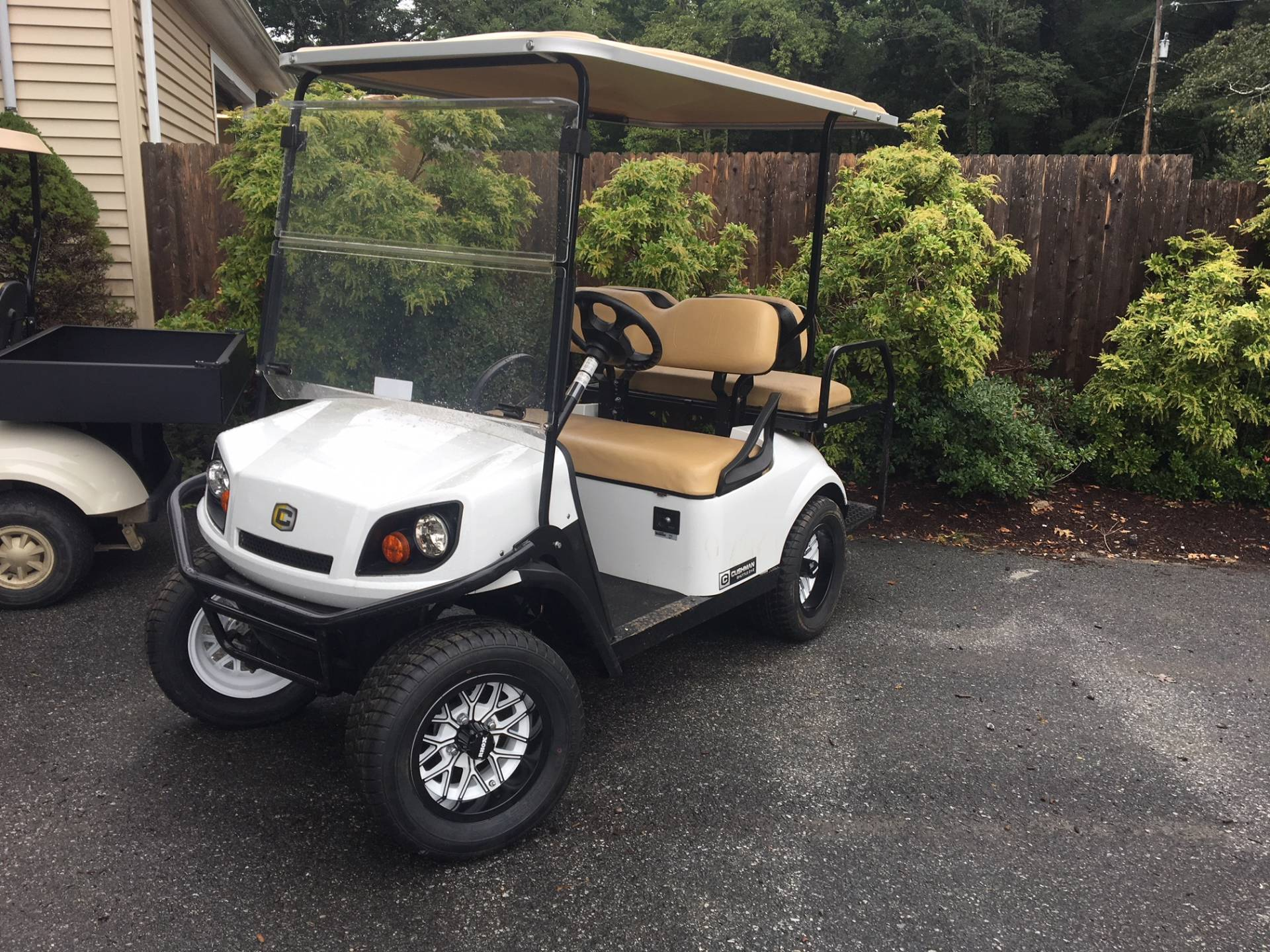 2018 Cushman 2+2 Shuttle Gas in Exeter, Rhode Island - Photo 1