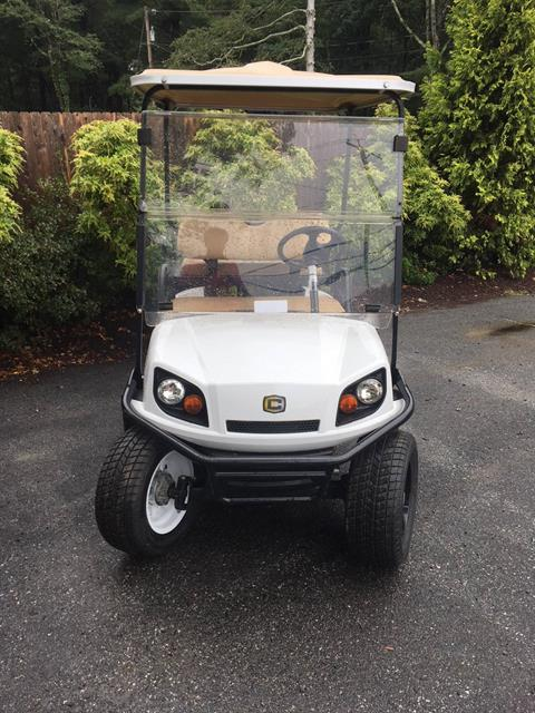 2018 Cushman 2+2 Shuttle Gas in Exeter, Rhode Island