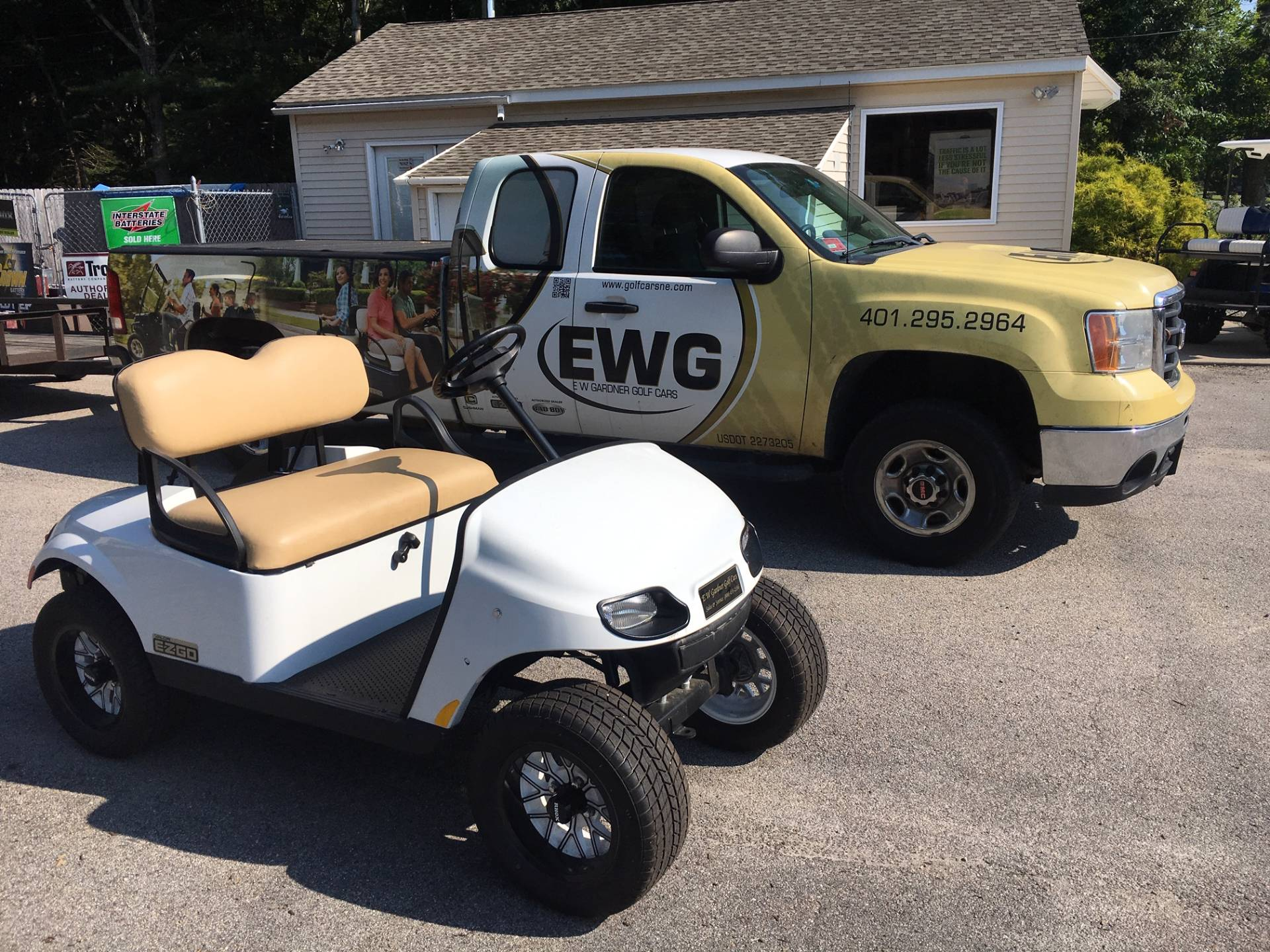 2019 E-Z-GO TXT Valor Gasoline in Exeter, Rhode Island - Photo 1