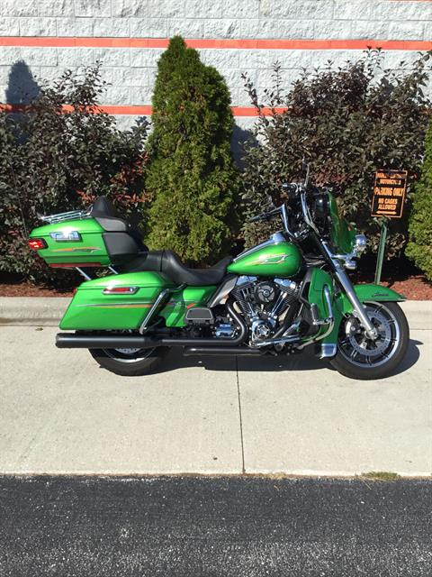 2015 Harley-Davidson Ultra Limited in Sheboygan, Wisconsin - Photo 2