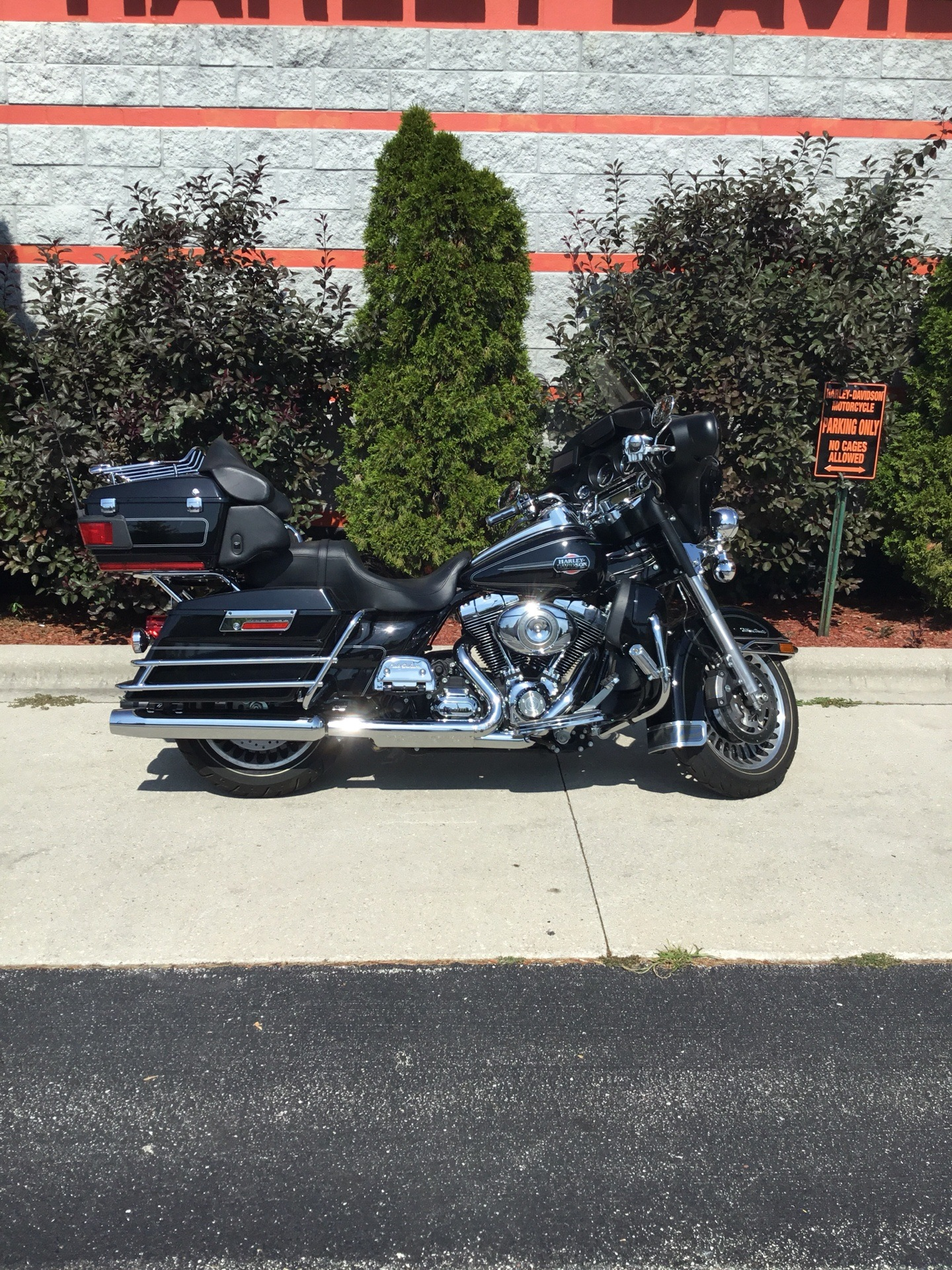 2011 Harley-Davidson Ultra Classic® Electra Glide® in Sheboygan, Wisconsin - Photo 2