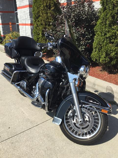 2011 Harley-Davidson Ultra Classic® Electra Glide® in Sheboygan, Wisconsin - Photo 4