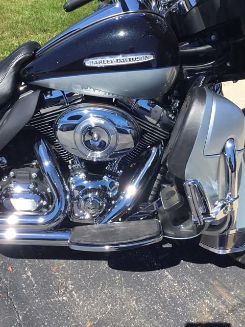 2012 Harley-Davidson Electra Glide® Ultra Limited in Sheboygan, Wisconsin - Photo 2
