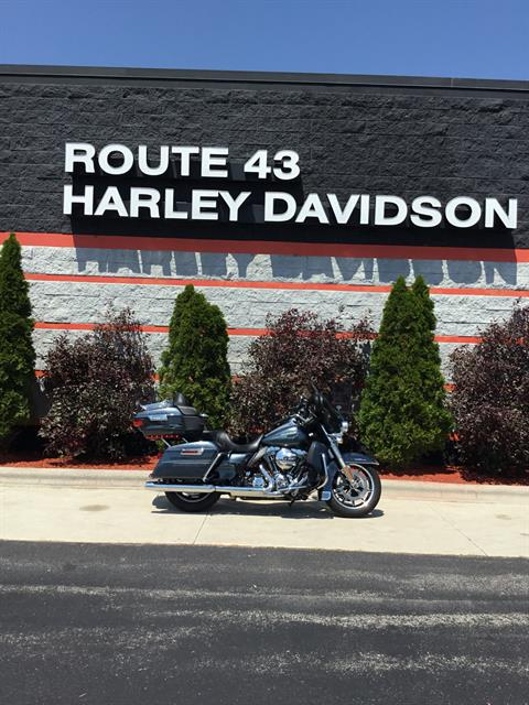 2015 Harley-Davidson Electra Glide® Ultra Classic® Low in Sheboygan, Wisconsin