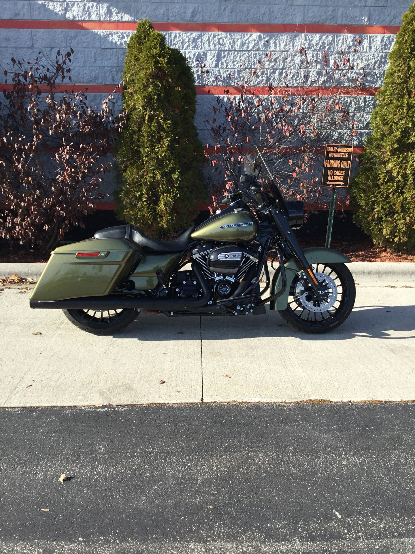 2017 Harley-Davidson FLHRXS in Sheboygan, Wisconsin - Photo 2