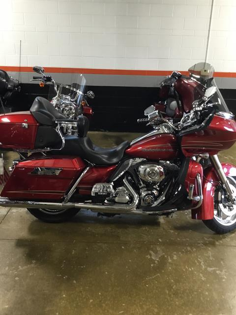 2012 Harley-Davidson Road Glide® Ultra in Sheboygan, Wisconsin - Photo 2