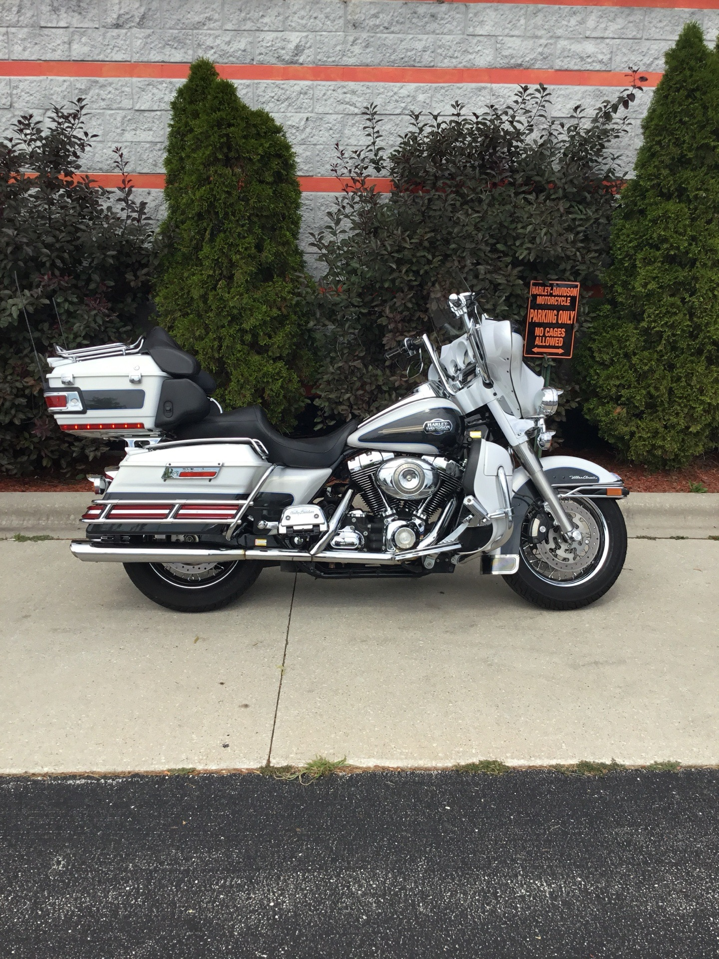 2008 Harley-Davidson Ultra Classic® Electra Glide® in Sheboygan, Wisconsin - Photo 2