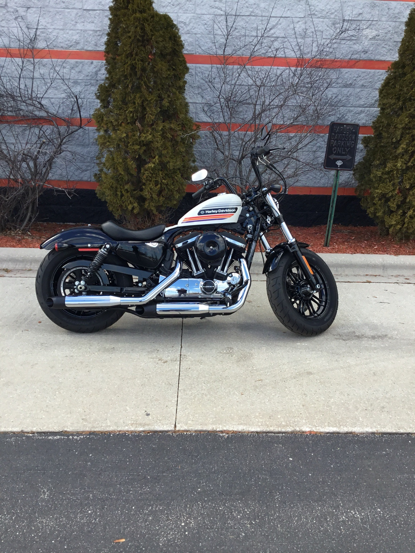 2018 Harley-Davidson Forty-Eight® Special in Sheboygan, Wisconsin - Photo 2