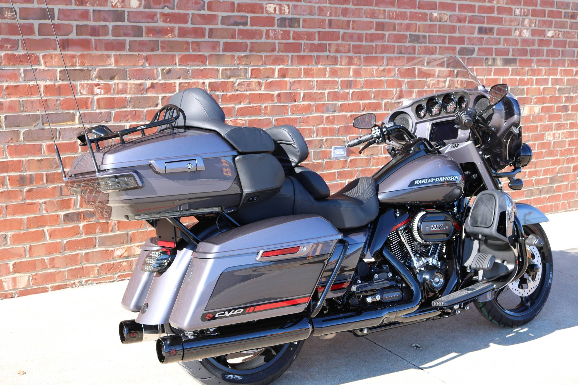 2020 Harley-Davidson CVO™ Limited in Ames, Iowa - Photo 6