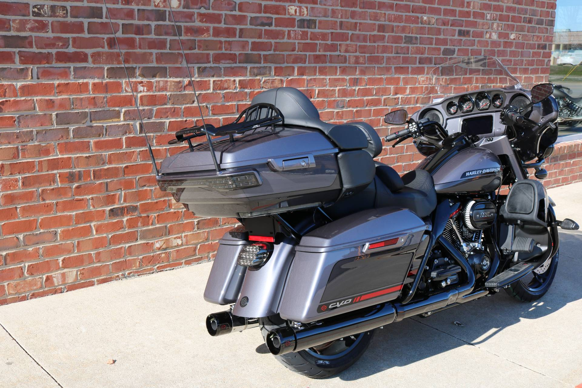 2020 Harley-Davidson CVO™ Limited in Ames, Iowa - Photo 11