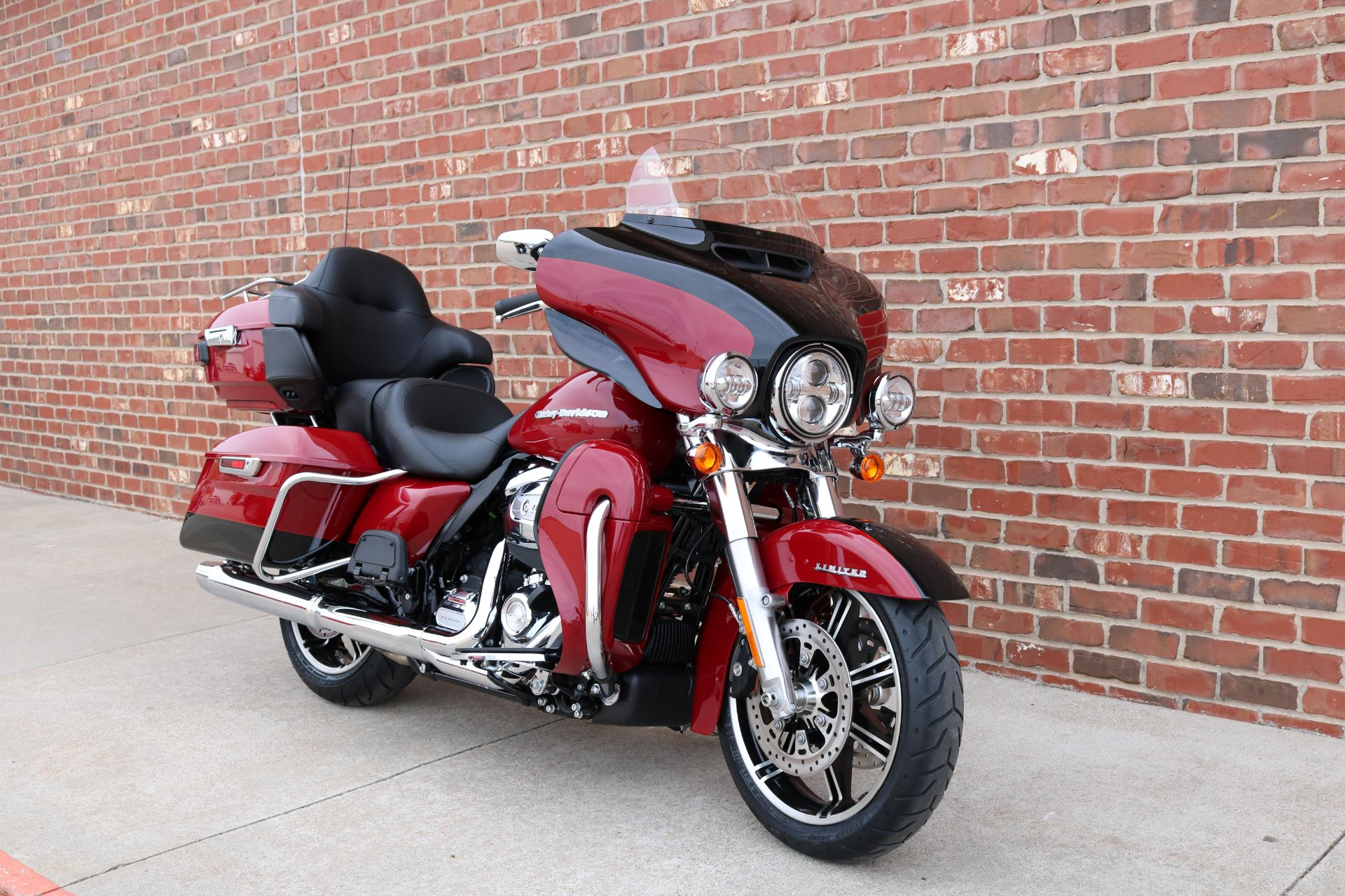 2021 Harley-Davidson Ultra Limited in Ames, Iowa - Photo 2