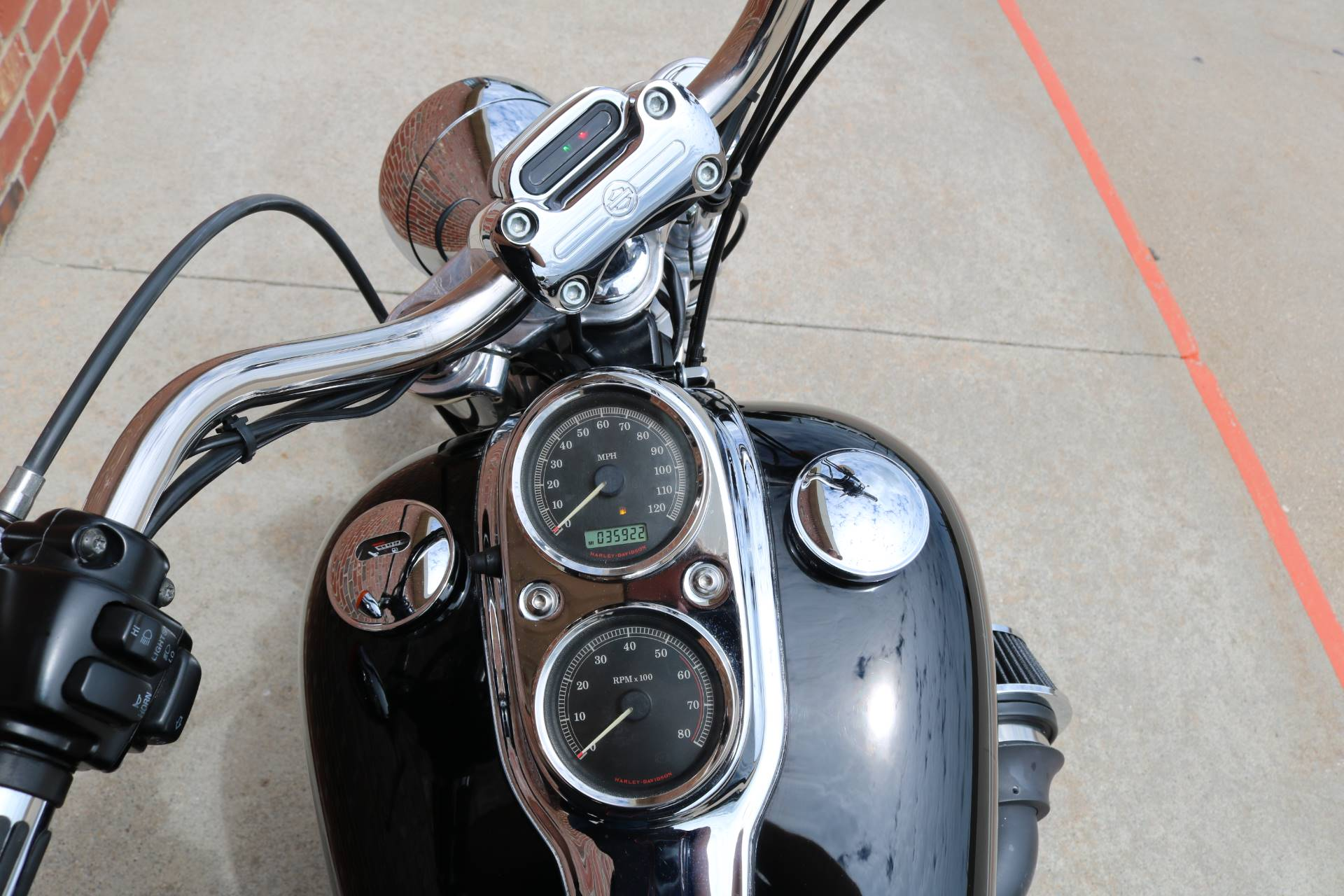 2008 Harley-Davidson Dyna Low Rider in Ames, Iowa - Photo 11