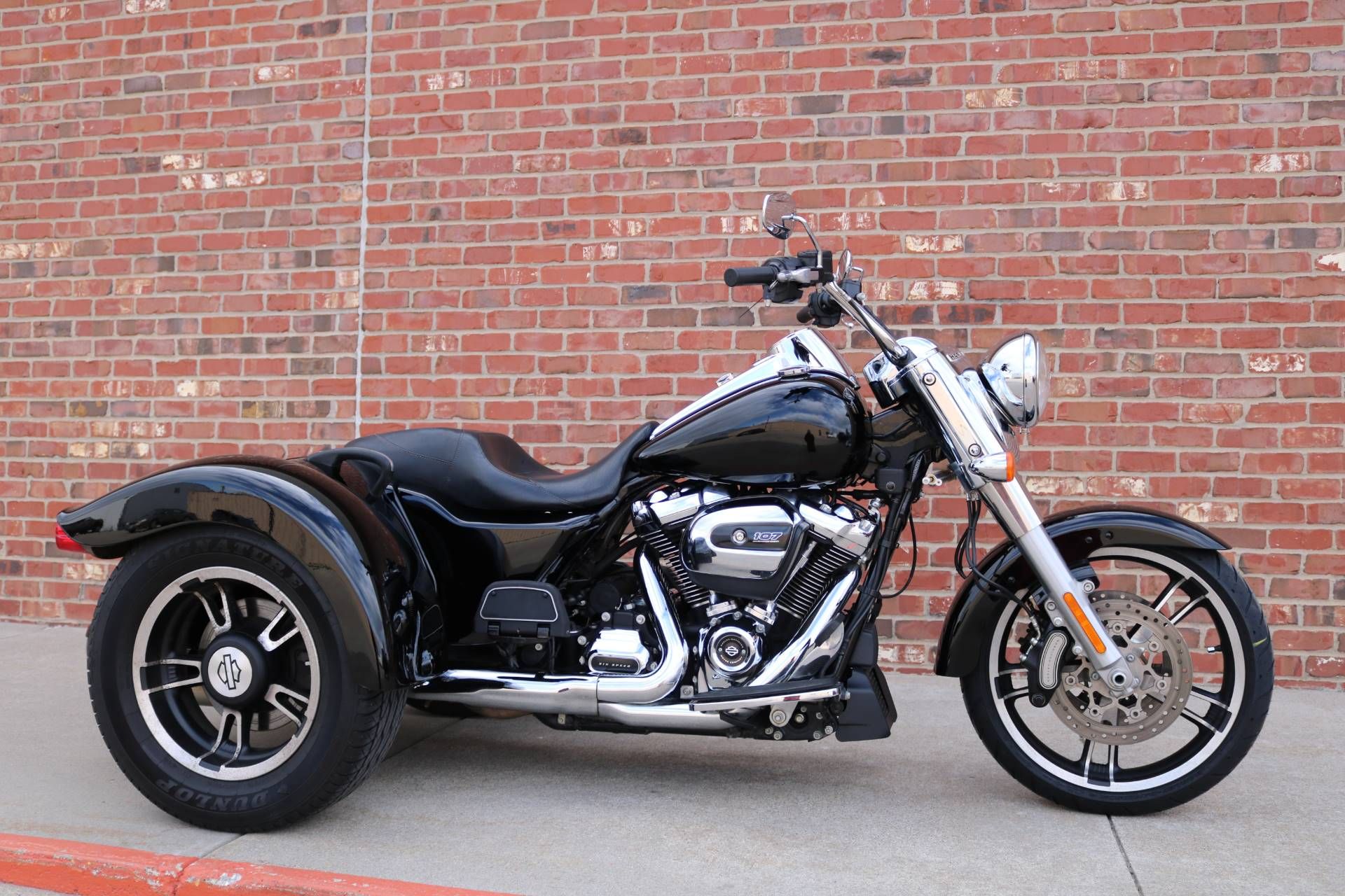 2017 Harley-Davidson Freewheeler in Ames, Iowa - Photo 1