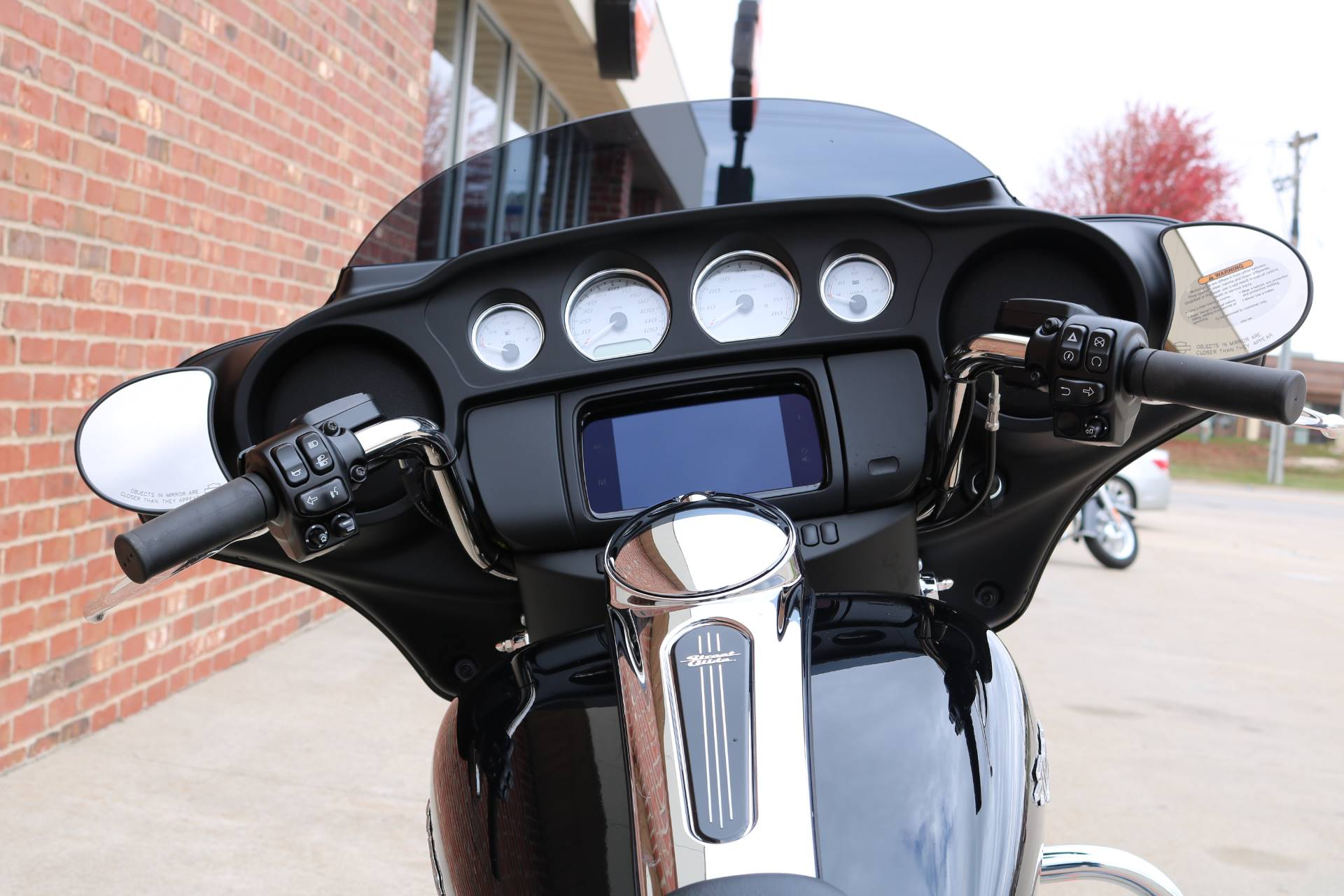 2020 Harley-Davidson Street Glide® in Ames, Iowa - Photo 14