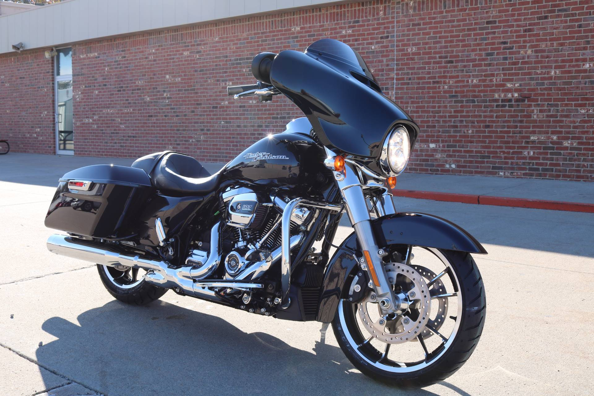 2020 Harley-Davidson Street Glide® in Ames, Iowa - Photo 10