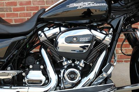 2017 Harley-Davidson Street Glide® Special in Ames, Iowa - Photo 9