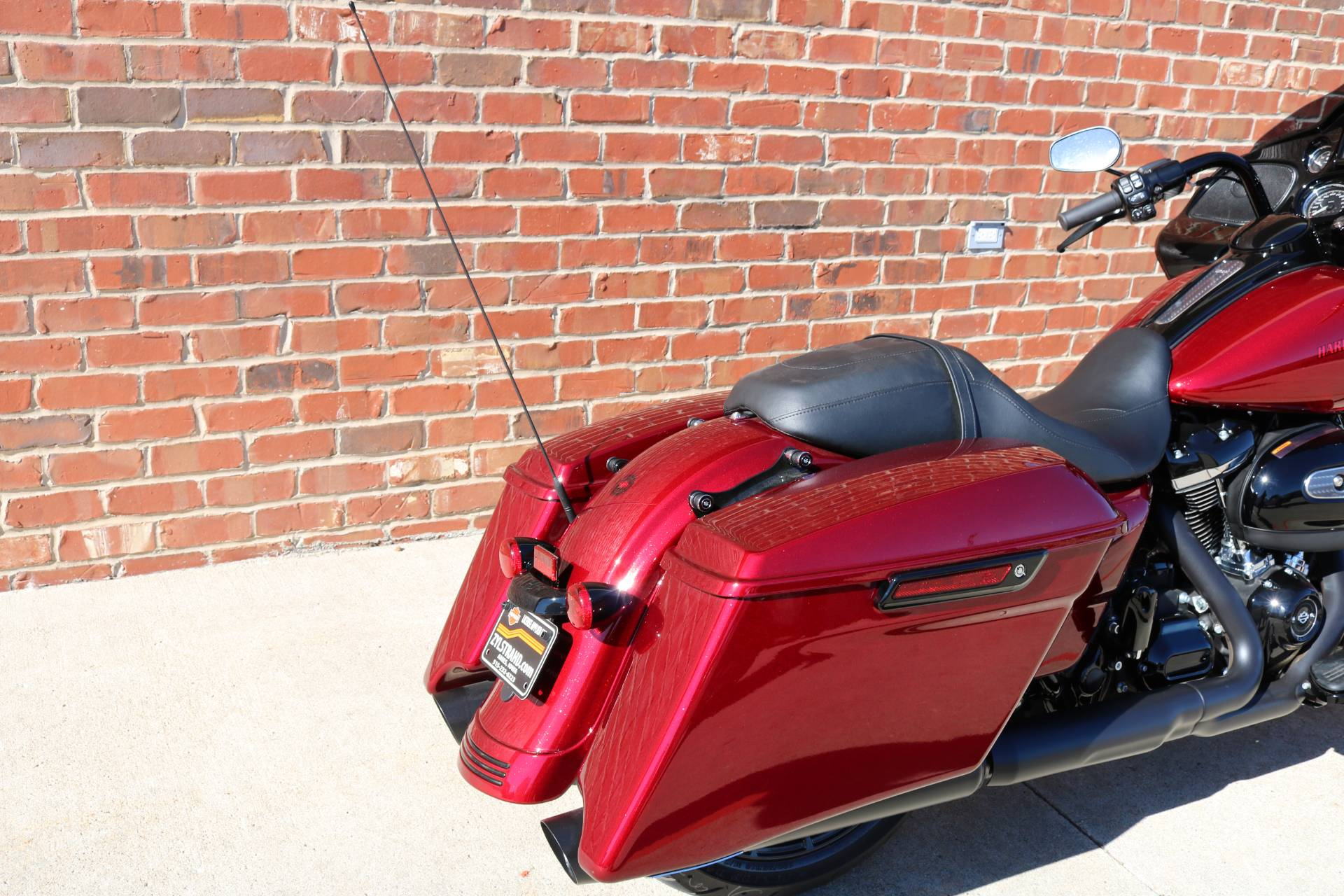 2018 Harley-Davidson Road Glide® Special in Ames, Iowa - Photo 6