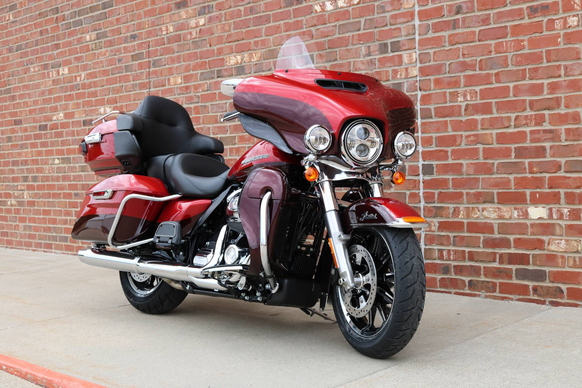 2019 Harley-Davidson Ultra Limited in Ames, Iowa - Photo 8