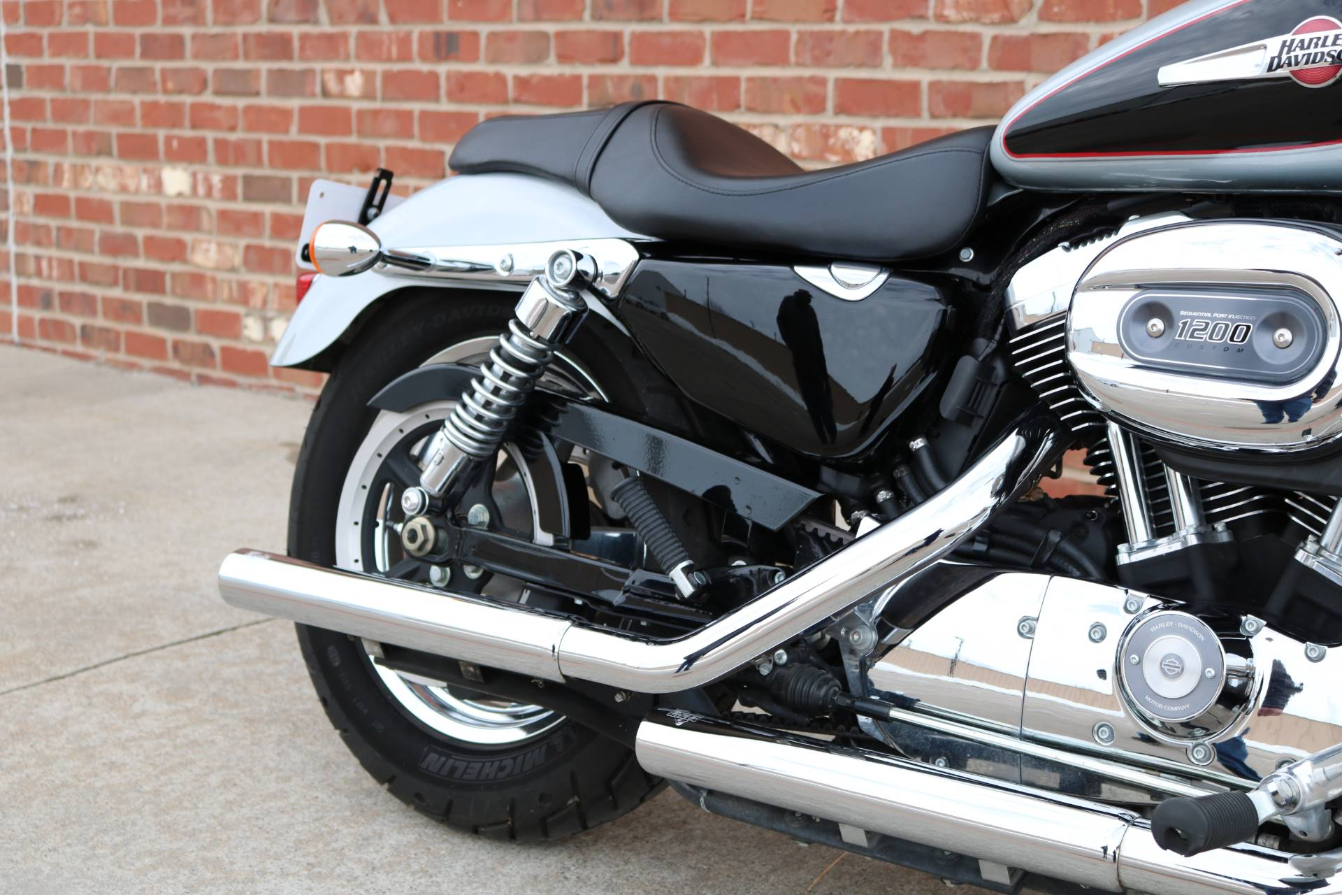 2015 Harley-Davidson 1200 Custom in Ames, Iowa - Photo 14