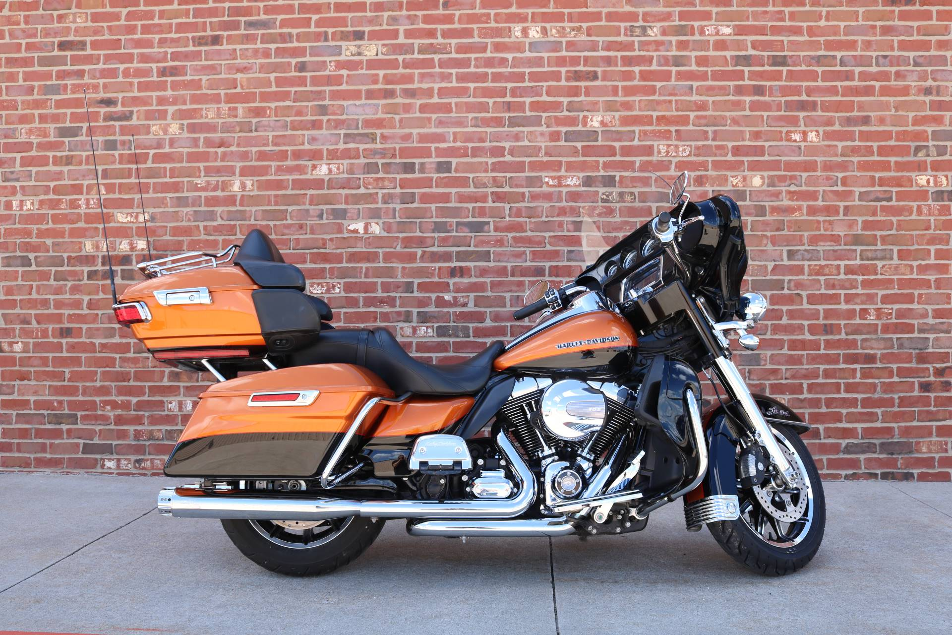 2015 Harley-Davidson Ultra Limited in Ames, Iowa - Photo 1